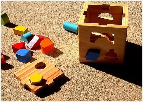 Wooden Toys Hungry Humpback Shape Sorter